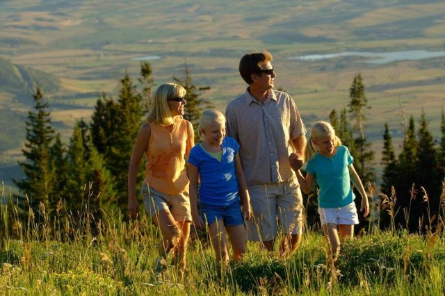 Steamboat-family_hiking