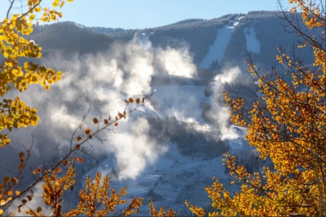 final_Snowmaking-began-at-Vail-on-the-15_twitter-Vailmtn