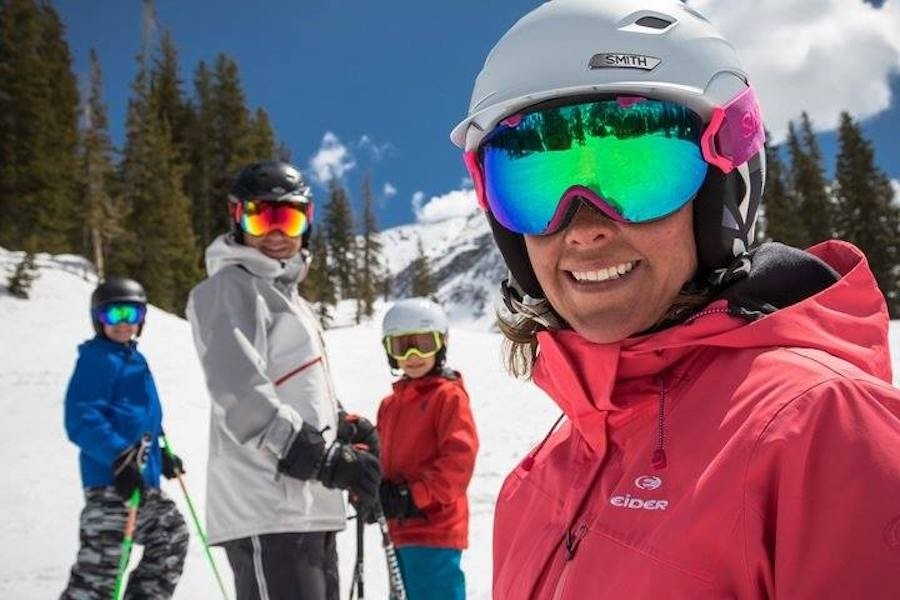 Kids can treat their parents to a day of skiing at Powder Mountain with a 2-for-1 adult ticket with the Ski Utah Passport. (Ski Utah)