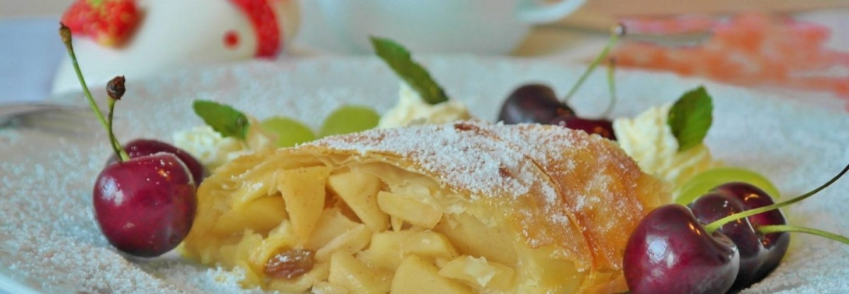 Free-Snow-Strudel-With-Every-Six-Inch-Snowfall--1440x500