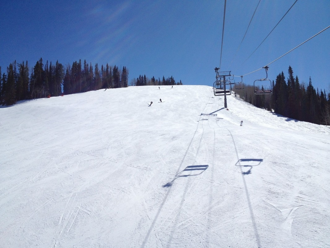 Ruthie's Run courses down off top of Aspen Mountain. (Pinterest.com)