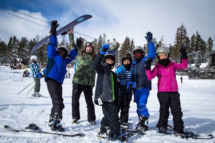 Snowboard-Group-Lesson-LSSM-Facebook