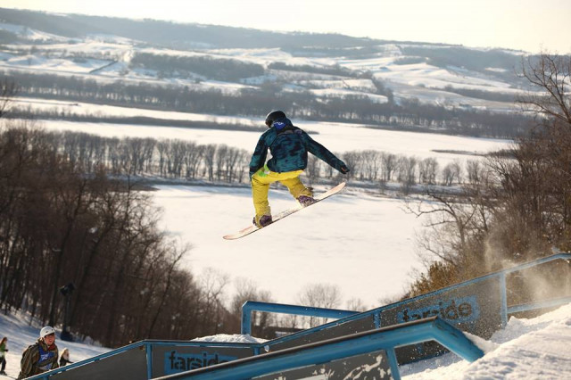 Chestnut-Mountain-big-air-in-Farside-Terrain-Park